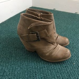 Tan ankle boots booties wedge w/ heels and buckles